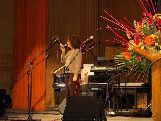 Hlas. Mezi finalisty zpívala Denisa Dyrcová.