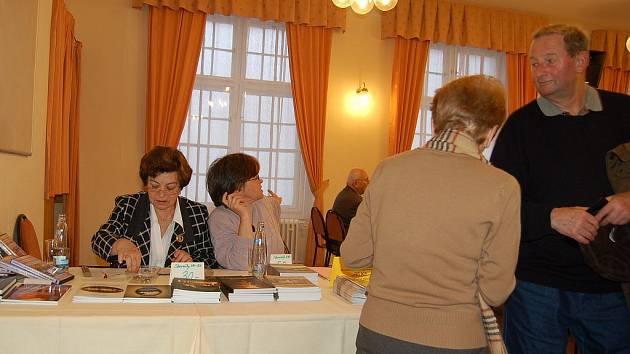 Lidé z celého kraje přijeli i letos na historický seminář Karla Nejdla do Alžbětiných lázní.