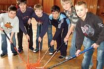 Chlapci z karlovarské sportovní školy jsou nadějnými posilami karlovarské HC Energie. Jejich velkým snem je dostat se až do NHL.