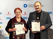 ŽIVNOSTNÍKEM ROKU Karlovarského kraje 2017 je Ludmila Jílková a stříbrným živnostníkem roku se stal umělecký kovář Ivo Rudolf.