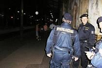 Policejní akce Úklid. Kontrola osob na nádraží.