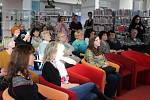 V Krajské knihovně Karlovarského kraje se v sobotu uskutečnilo slavnostní vyhlášení 13. ročníku Literární soutěže, jejímž patronem byla letos spisovatelka Irena Dousková.
