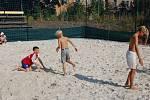 Nové beachvolejbalové hřiště o čtyřech kurtech bylo slavnostně otevřeno v karlovarských Tuhnicích.