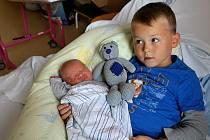 SEBASTIAN MARKUSEK (s bráškou) z Kolové se narodil 2.10.2016