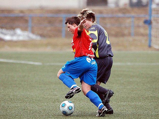 Ve 3. kole poháru ČMFS  fotbalistkám 1.FC vystavily stopku hráčky Viktorie Plzeň.