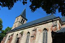 Kostel Nanebevzetí Panny Marie ve Velichově.