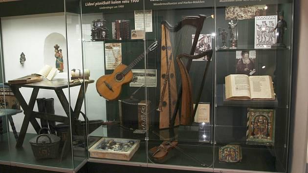 Muzeum rozšířilo stálou expozici v Královské mincovně v Jáchymově o novou výstavu Hudba v Krušnohoří.