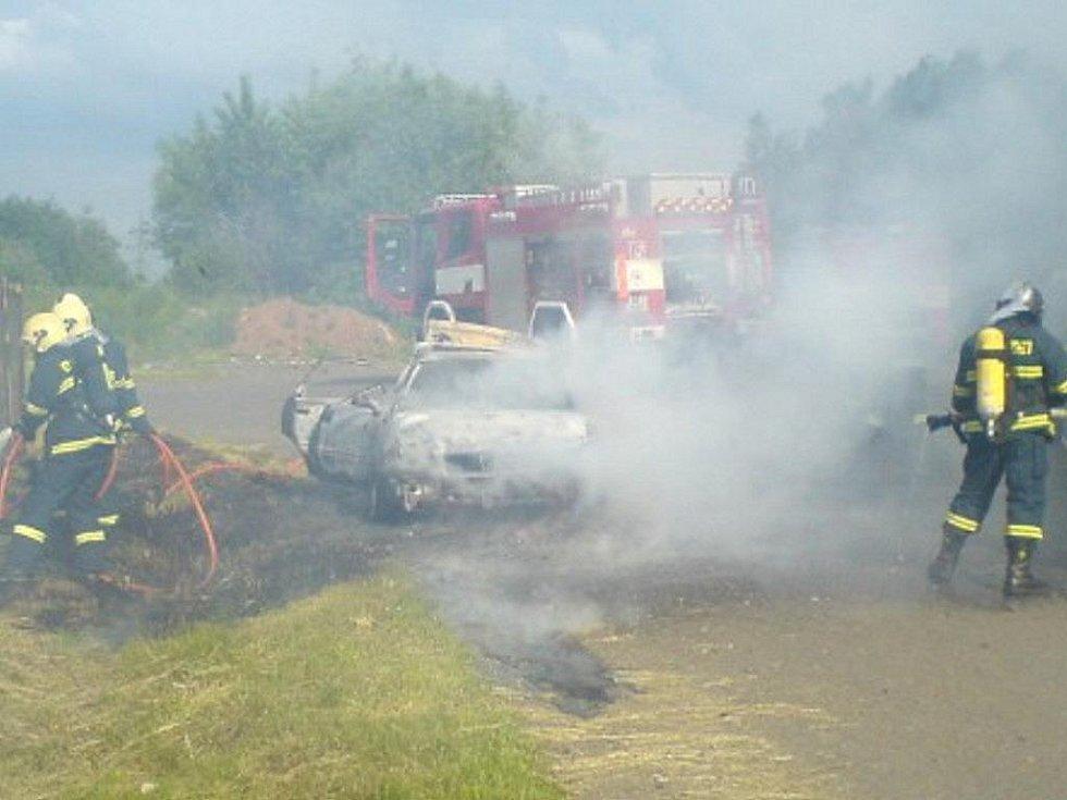 V zásahové jednotce hroznětínských hasičů pracuje deset lidí. Sbor má třiadvacet členů. Ročně vyjíždějí průměrně k sedmi zásahům.