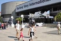Karlovy Vary se připravují na 45. ročník Mezinárodního filmového festivalu.