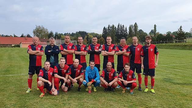Útočník Michal Diviš patří k základním kamenům útvinské jedenáctky. Na jeho zkušenosti a góly tým spoléhá i v okresním přeboru.