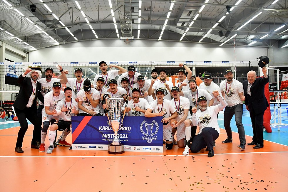 Karlovarsko v pátém utkání finálové série porazilo v Karlových varech českobudějovický Jihostroj 3:1 na sety, a tím tak dosáhlo na mistrovský titul.