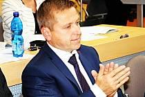 PAVEL ČEKAN, starosta Ostrova a člen ČSSD s jiným názorem.