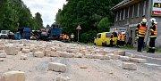 Místo nehody nákladního automobilu u Andělské Hory.