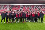 Karlovarská Slavia skončila v osmifinále MOL Cupu, když podlehla pražské Slavii 3:10.