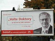 O místo neusiluje. Dvojka kandidátky Doktorů Jan Hadrava (vlevo) nebude usilovat o žádný politický post na kraji.