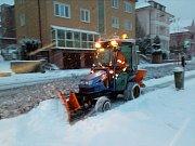 Úklid sněhu v Karlových Varech.