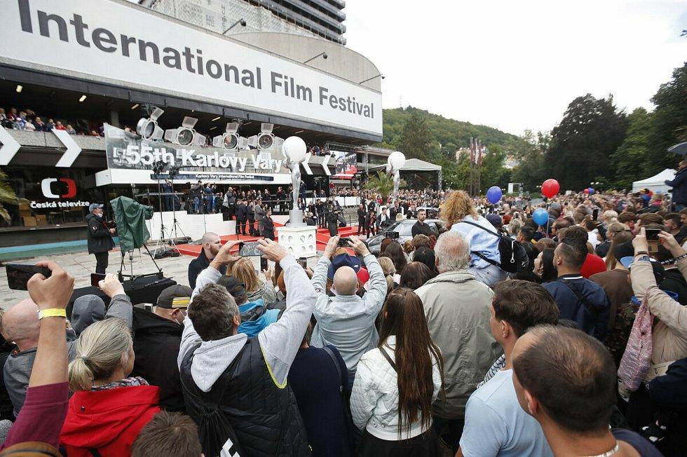 Takový byl 55. ročník filmového festivalu, který byl kvůli covidu a chladnému počasí naprosto jiný.