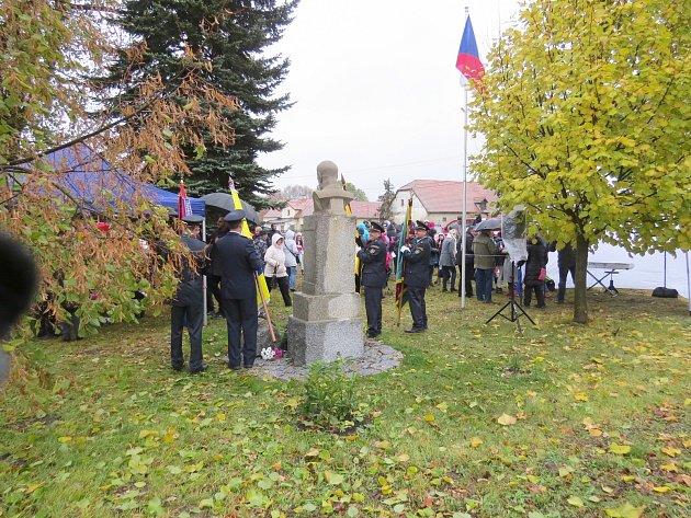 V Protivci u Žlutic se sešli 28. října zástupci obcí jihovýchodního Karlovarska, aby zde důstojně uctili letošní výročí republiky a památku prvního prezidenta T. G. Masaryka.