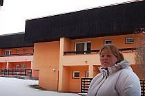 Renata Hejnová je poslední ze dvou pěstounek, které se v současnosti ještě starají v karlovarské SOS dětské vesničce o svěřené děti. Kam půjde, zatím ještě neví.