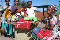 Výstava Naděje slumu v Namibii je doplněna velkoformátovými fotografiemi. Vidět ji můžete do 26. října v karlovarské galerii SUPERMARKETwc.