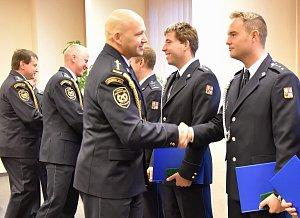 Slavnostní předávání ocenění vybraným hasičům.