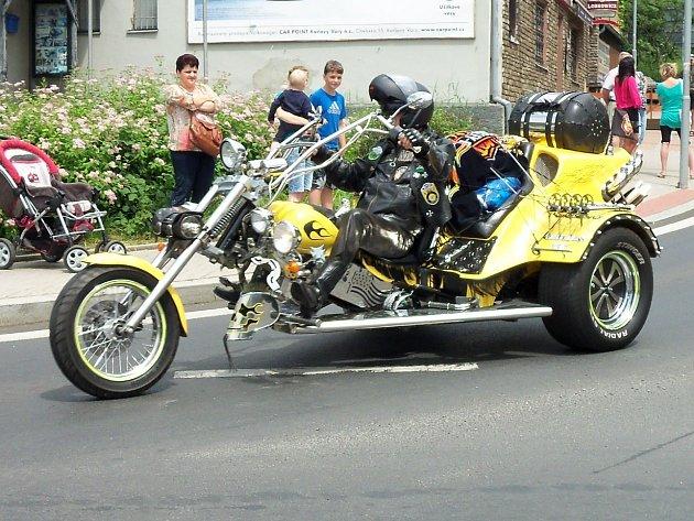 Motorkáři představili při 17. ročníku Dennis Hopper Party své stroje.