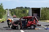 Tragická dopravní nehoda se stala ve čtvrtek 11. srpna na silnici I/6 nedaleko od Bochova