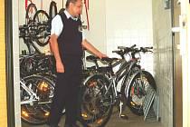 Od 1. dubna se v Karlovarském kraji otevírají půjčovny kol na vybraných železničních stanicích ČD.