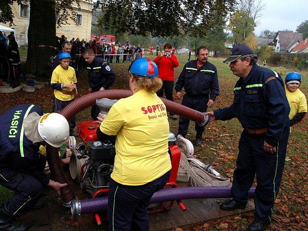 Soutěž požárních družstev se konala v sobotu 24. října ve Velichově na Karlovarsku
