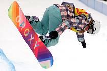 Snowboardista na Klínovci.