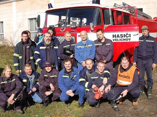 Sbor dobrovolných hasičů ve Velichově o víkendu oslavil šedesáté výročí.