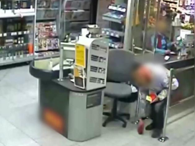 Policie dopadla nepoctivého nálezce, který nevrátil peněženku s více než 100 tisíci korun v různých měnách