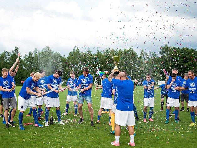 Fotbalisté Ostrova se po roce vrací do divizní soutěže.