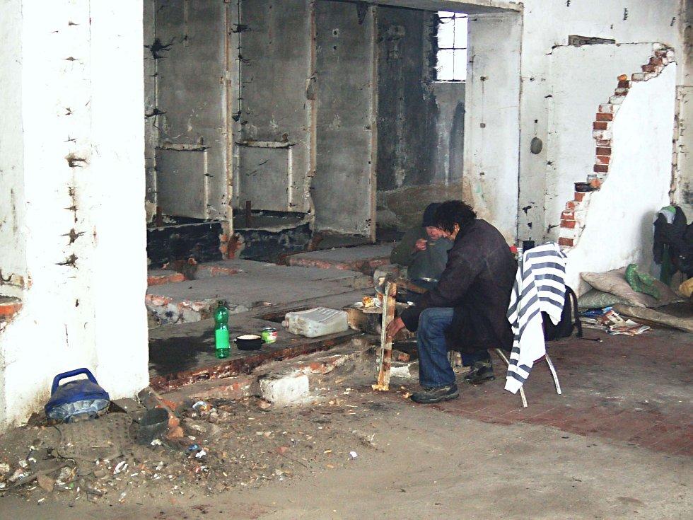 OBJEKTY BÝVALÉ VODÁRNY v Tuhnicích využívají nyní hlavně bezdomovci.