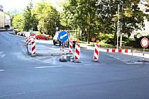 POZOR. Nový přechod na Pražské řidiče zpomalí.
