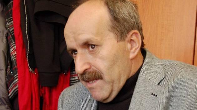 Rektor karlovarské vysoké školy Pavel Švejda.