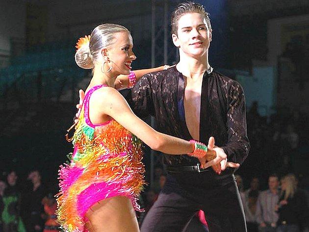 Lenka Návorková s tanečním partnerem znovu předvedla profesionální umělecký výkon.