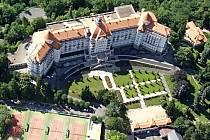 Hotelové a lázeňské skupině Imperial Karlovy Vary loni klesl zisk před zdaněním.