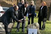 11. 11. v 11.11: Poklepání základního kamene.