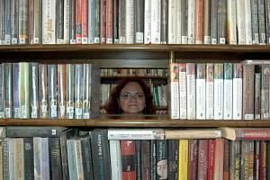 Knihovnice Ludmila Křivancová z karlovarské městské knihovny.