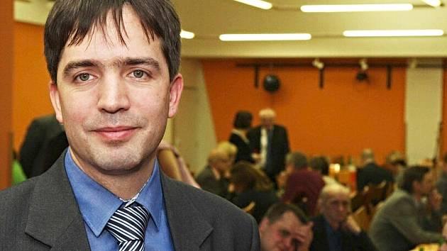 Chebský starosta Petr Navrátil čelí pokusu o odvolání.