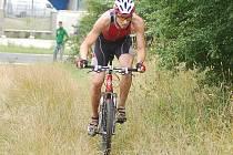 Tratlonový závod Dalovický Kiwi muž.
