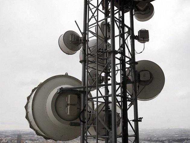 PROBLÉMY SE SIGNÁLEM? Než začnete cloumat s anténou, obraťte se na Český telekomunikační úřad.