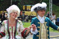 Koncerty, dobové oblečení i ukázky dravců oficiálně zahájily již 112. lázeňskou sezonu
