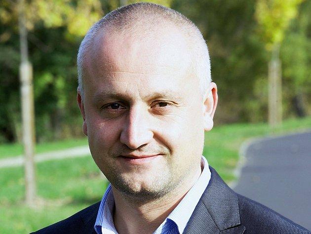Předseda karlovarské ODS Jiří Vaněček rezignoval.