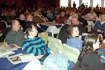 Projednávání strategického plánu města přilákalo do Kongresového sálu Thermalu davy lidí.