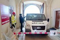 Zvýšená preventivní opatření na hradu a zámku Bečov