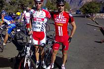 DVA NEJLEPŠÍ jezdci Vuelta Gran Canaria 2007, Radek Krummer (vlevo) a Emilio Plaza, který v konečném pořadí závodu obsadil 2. místo se ztrátou 3 minuty a 35 vteřin.