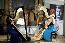 Souzvuk harf v podání Esther Köningerové a Jenny Ruppikové se ukázal jako podivuhodný.