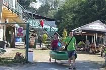 Vodácké tábořiště na řece Ohři v Sokolově.